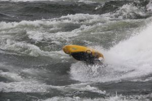 ADVANCED WHITE WATER KAYAKING